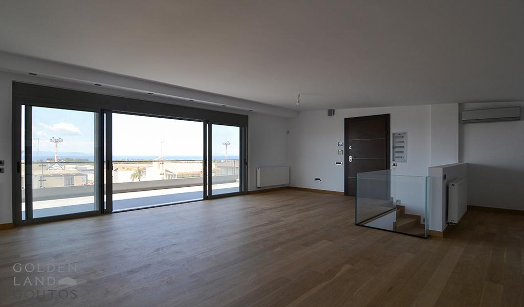 Modern Penthouse Maisonette in Glyfada