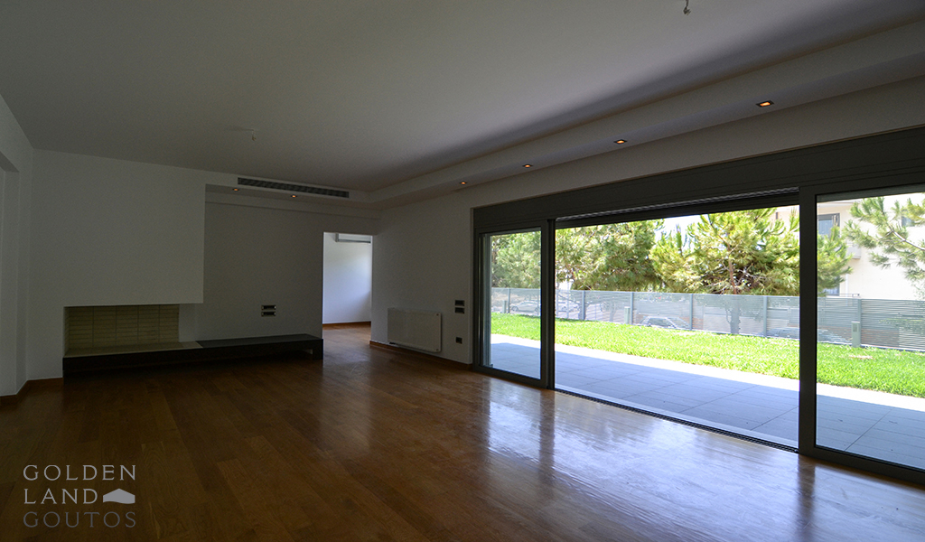 Modern Ground Floor Apartment with pool in Glyfada