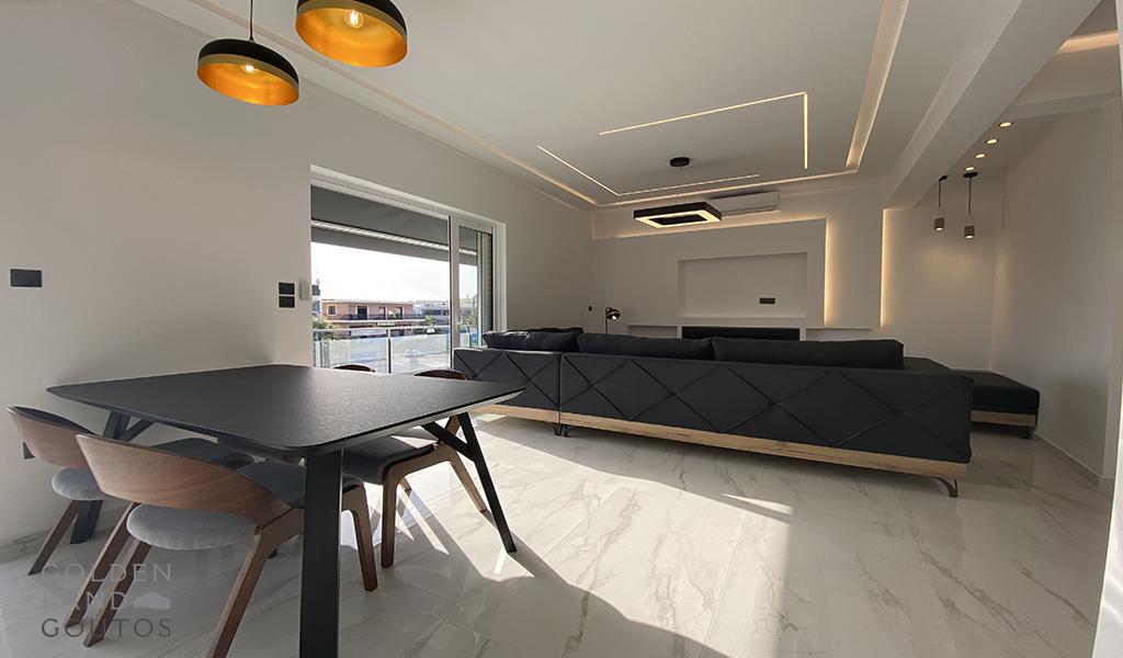 Elegant & Minimal Floor Apartment in Glyfada