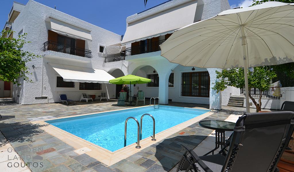 Classic Villa with Pool in Glyfada
