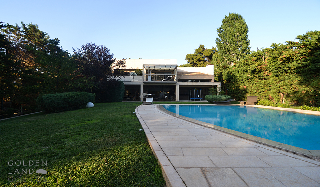 Impressing Luxurious Villa with Private Pool in Ekali