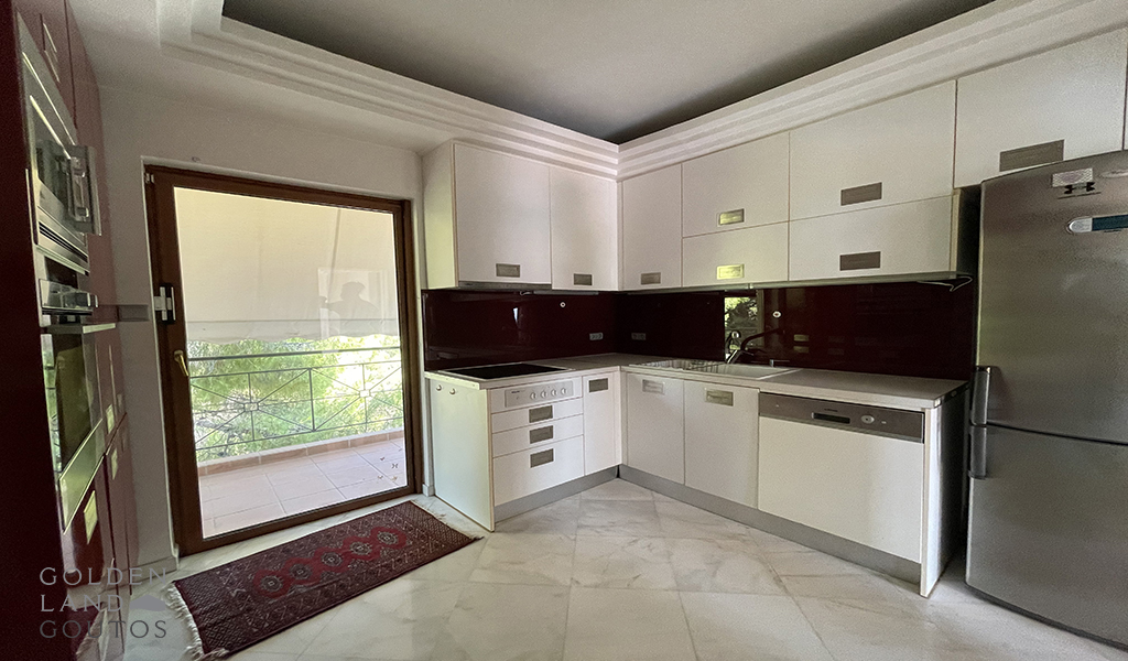 Charming Maisonette with sea view in Vouliagmeni