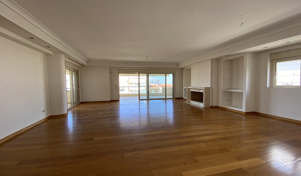 Beautiful Apartment with private terrace in Glyfada Aexone