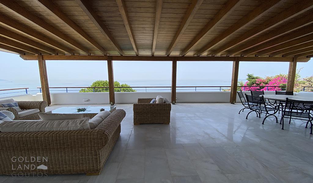 Beachfront Island Style Villa In Agia Marina