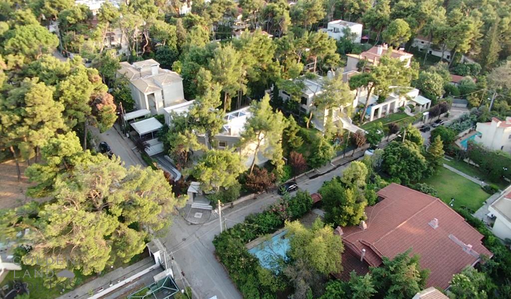 Stylish Villa with Private Garden in Ekali