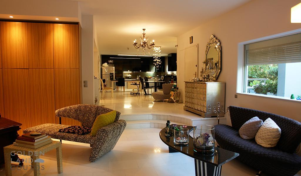 Exceptional Detached House in Voula